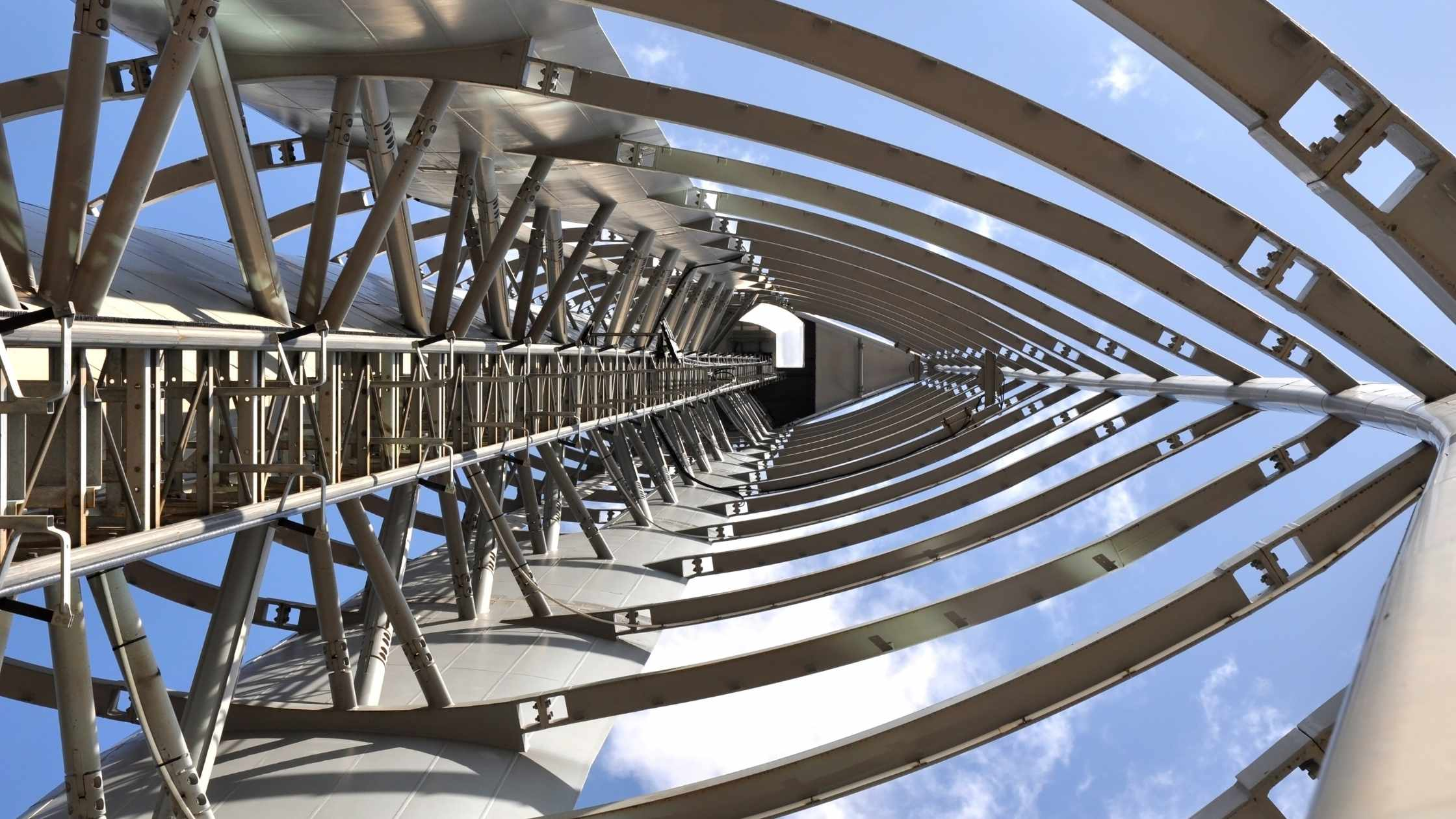 Strength concept; Glasgow tower, internal view